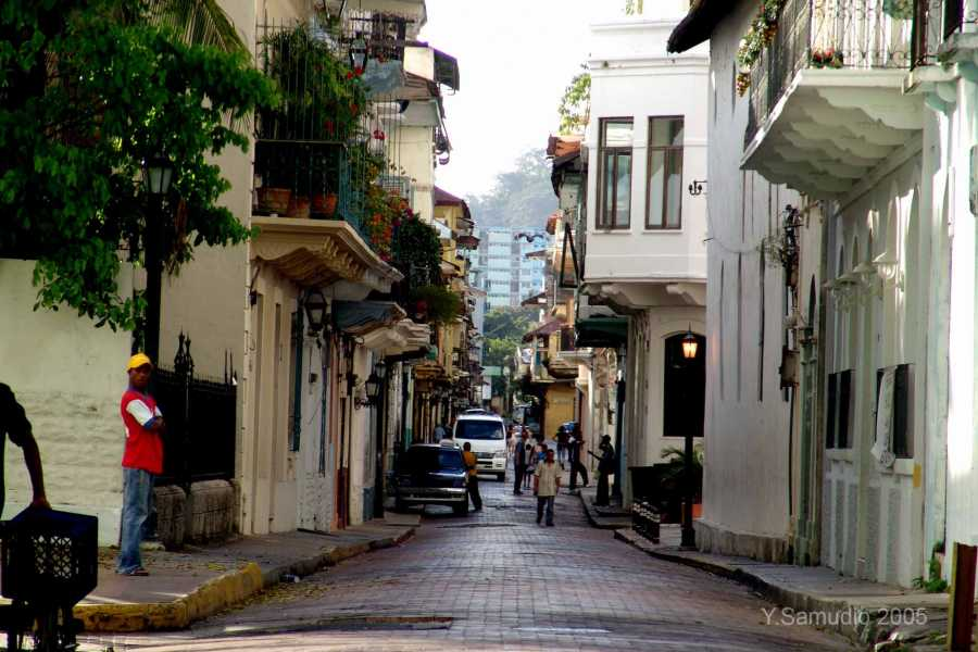 Aventuras 2000 PIANC18 - Modern Panama City & Colonial City Tour