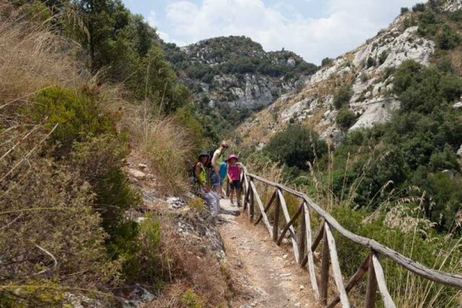 Italian Event Better TREKKING IN CAVAGRANDE DEL CASSIBILE
