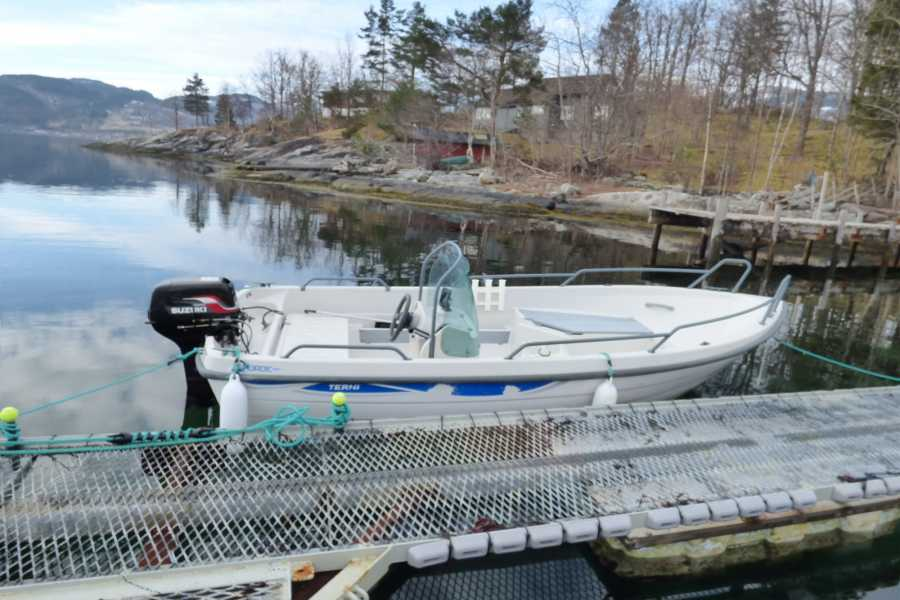 Hardanger Feriesenter AS Boat rental - Terhi 30 hp fishing boat