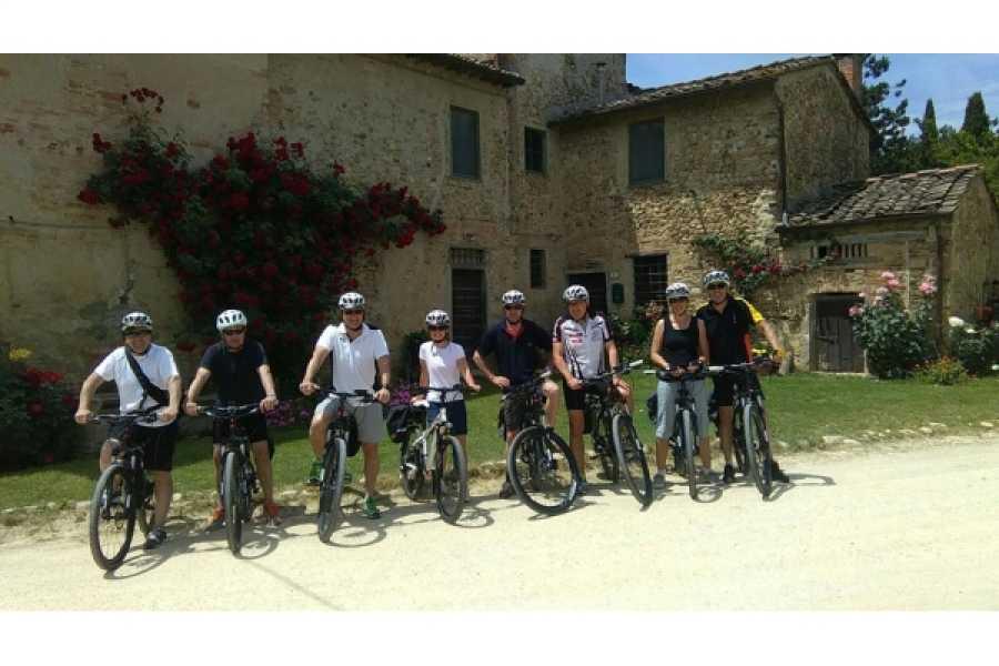 Enjoy Chianti Easy Trekking with Family