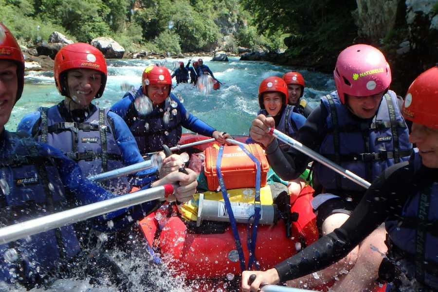 HungaroRaft Kft General Tire Trophy - Rafting a Tarán