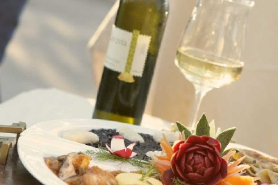 """Travel Agency"""" South Tours"""" Dalmatian Food & Wine Tour with Šibenik Sightseeing from Split and Trogir"""