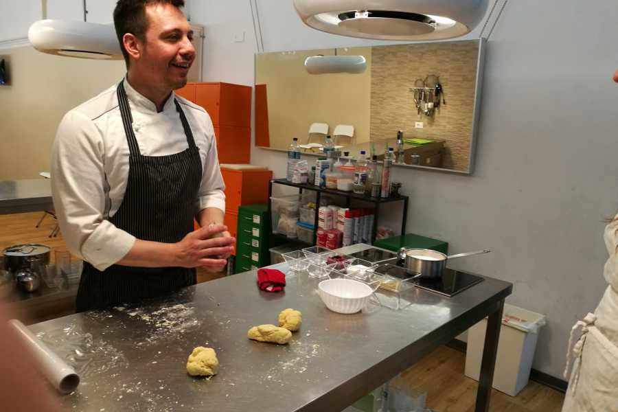 Keys of Florence Let's pasta! Pasta cooking class in central Florence