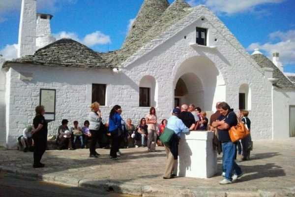 Destination Apulia Tour di Alberobello con visita in cantina