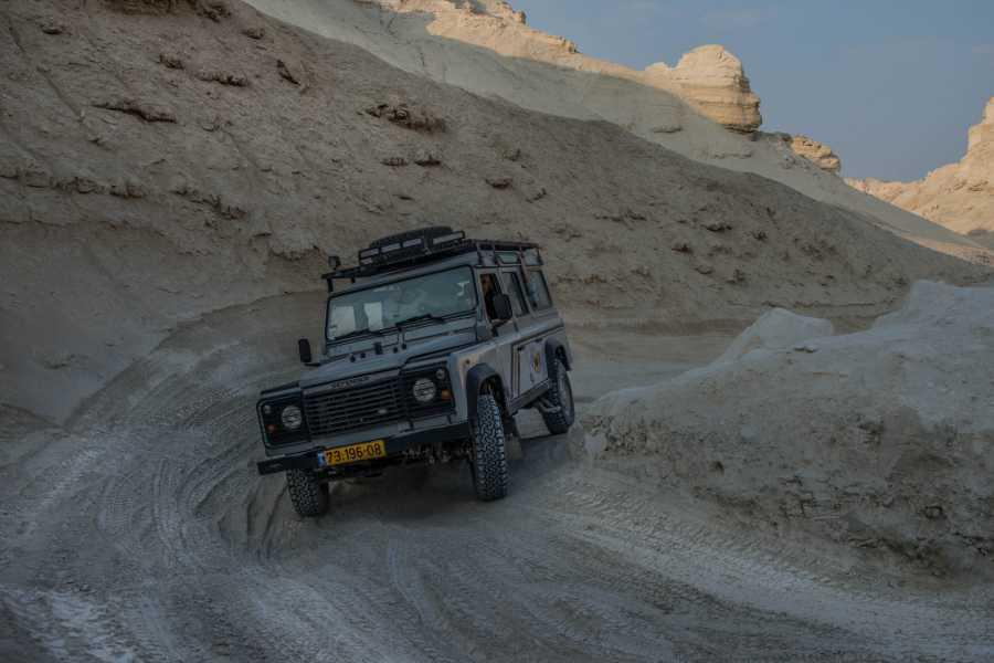 Desert-Pass Jeep Tour in the Dead Sea