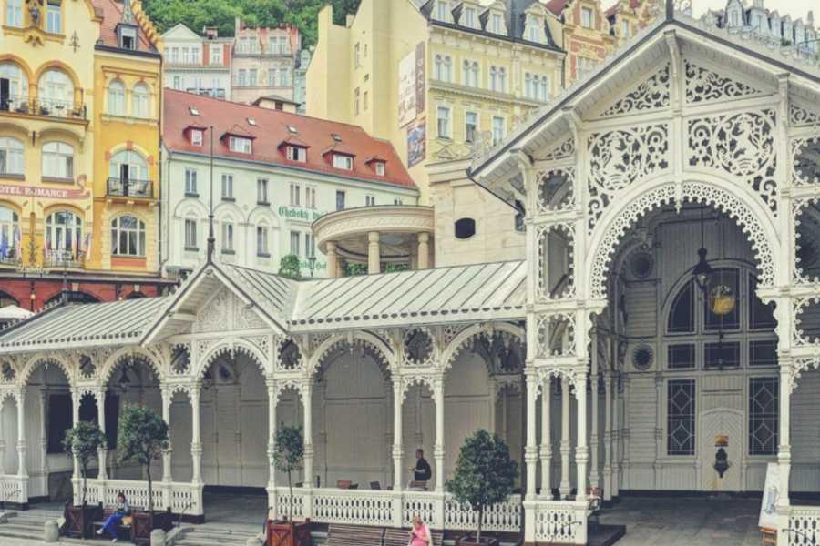 Turistico s.r.o. Excursión privada desde Praga con guía en español