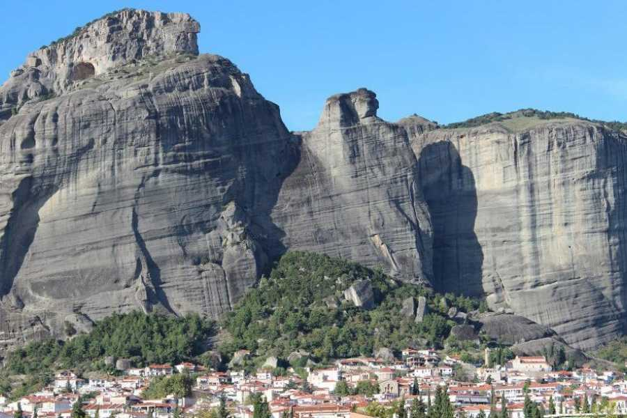 Visit Meteora Private Departure Taxi Transfer: From Hotel to Railway or Bus Station