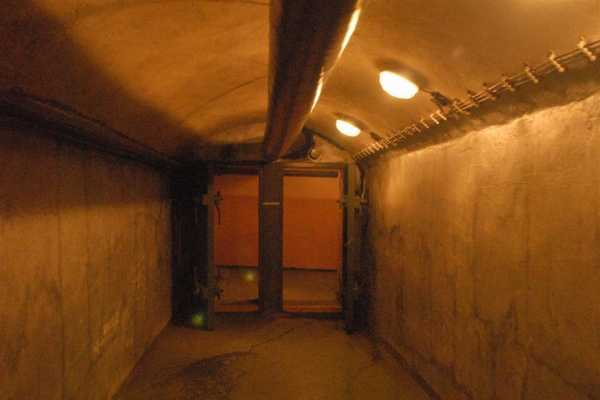 Prague Communism and Nuclear Bunker Tour