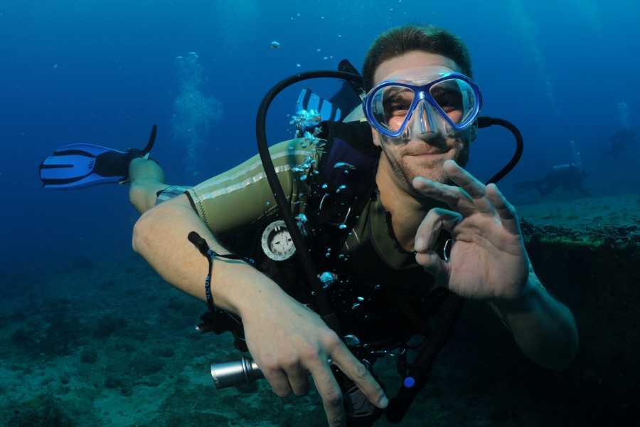 Aqua Mania Adventures Dock Maarten - Double Tank Dive