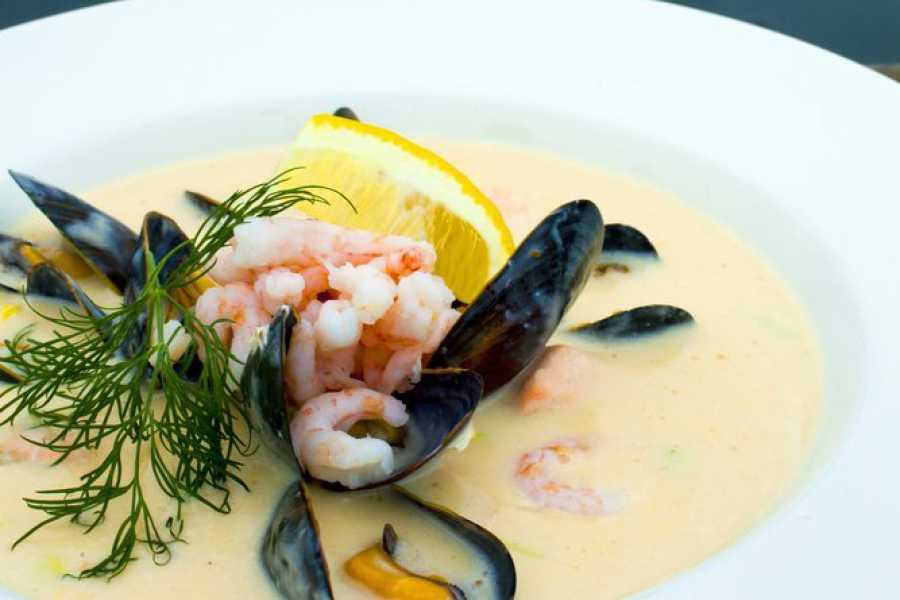 Villa Lovise Learn to make fishsoup in a private home