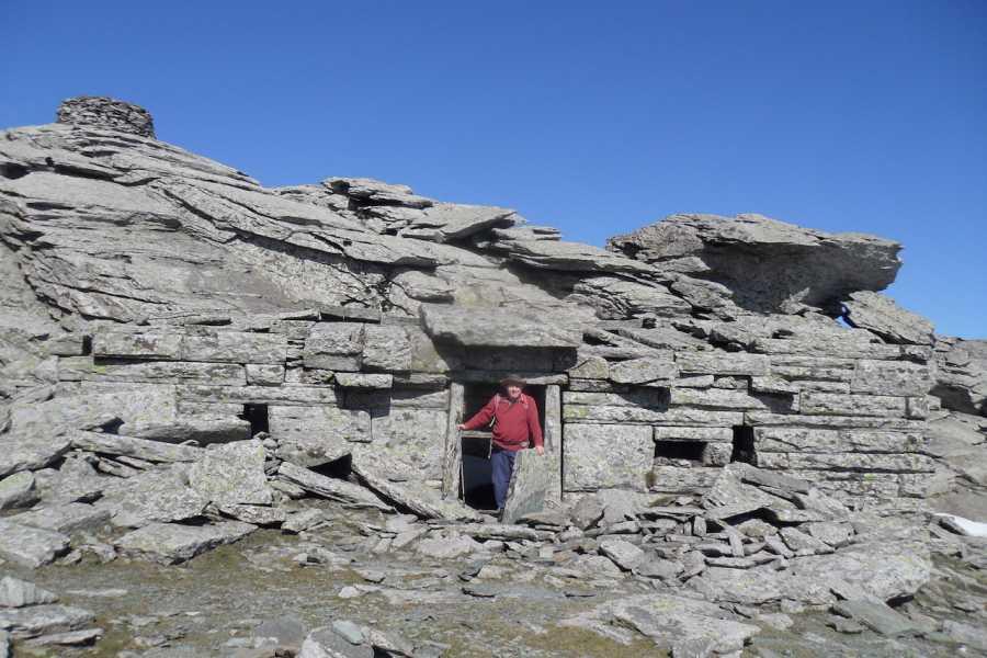 Evia Adventure Tours Trekking / Dragon-house of Ohi mountain