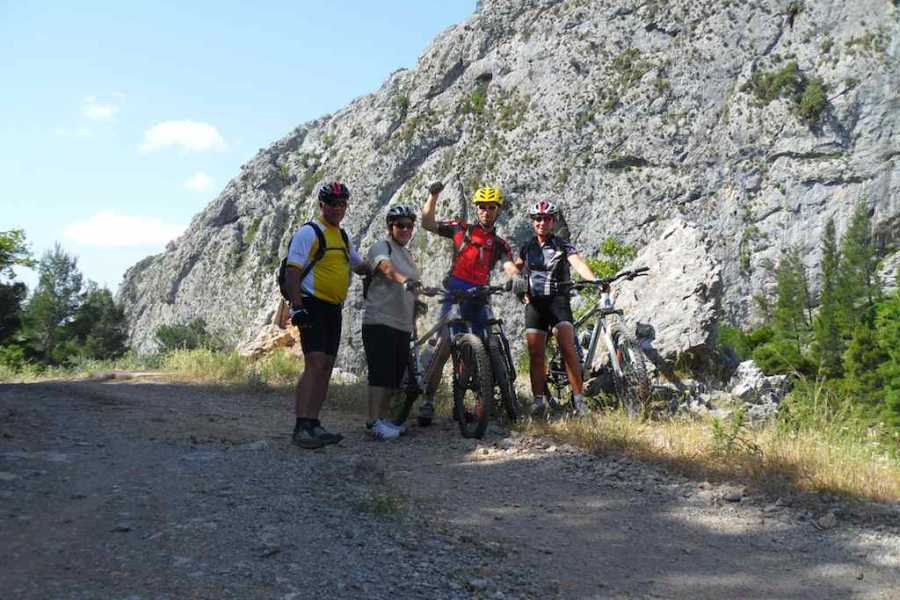 Evia Adventure Tours MTB / The resin producers' route