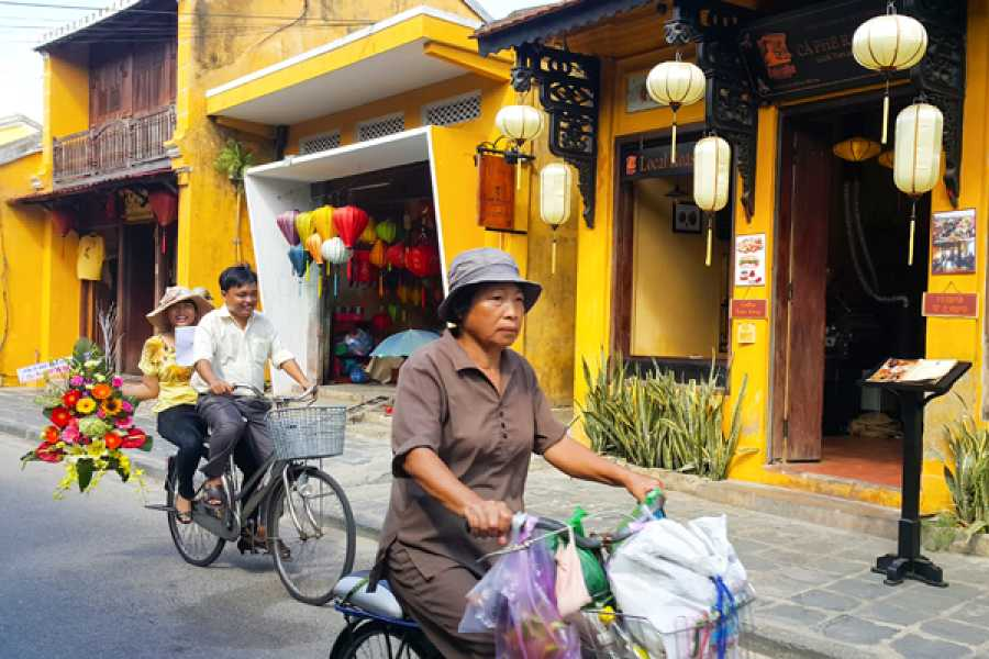 Viet Ventures Co., Ltd Da Nang - Hoi An - Hue Tour 5 days 4 nights