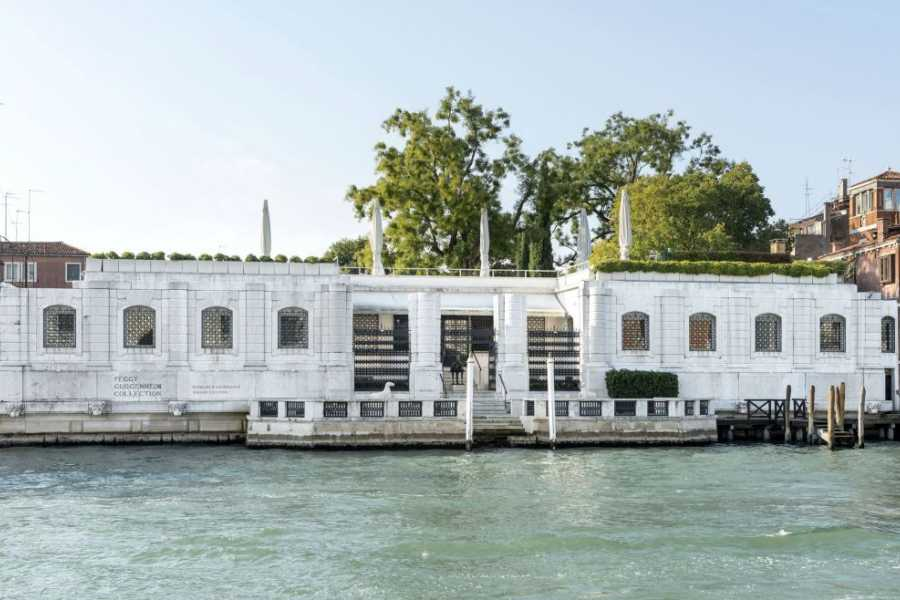 Venice Tours srl Private gondola and guided visit to Peggy Guggenheim Collection