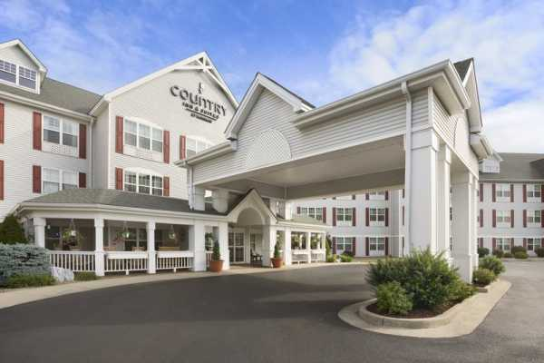 West Virginia Adventures Country Inn & Suites by Radisson