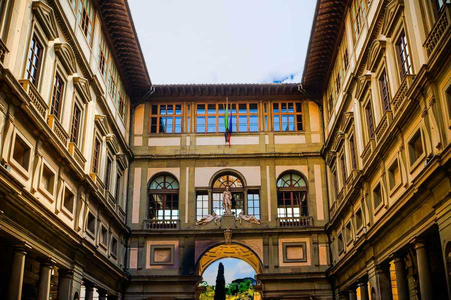 Keys of Florence Early Access: Guided Uffizi Gallery Tour with Skip-the-Line Ticket