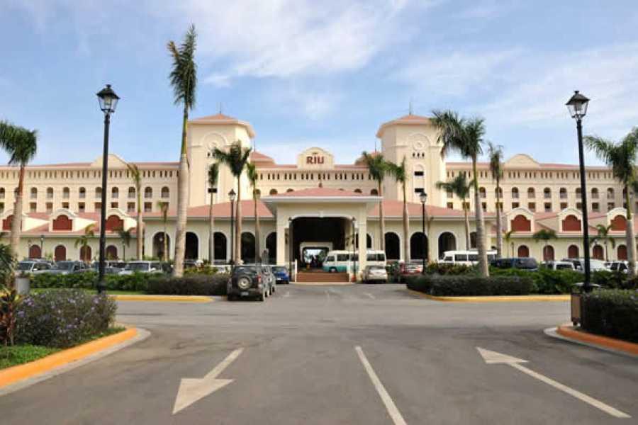 Tour Guanacaste RIU Resort to Liberia Transportation