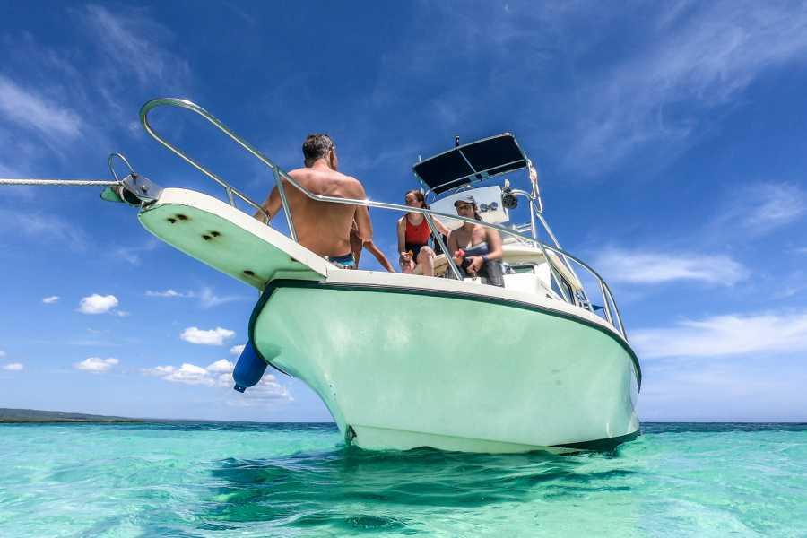 Marina Blue Haiti Etroits Sand banks Snorkel Tour (La Gonave)