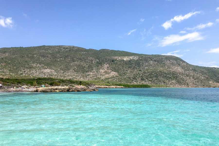 Marina Blue Haiti Mikaz Beach Boat Tour (La Gonave)