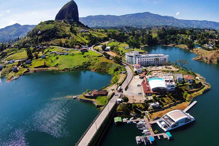 Medellin City Services Guatape and Peñol full day tour