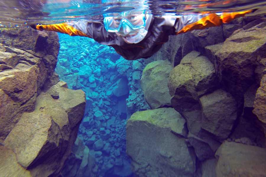 Reykjavik Outventure Snorkel Amazing Silfra in drysuit