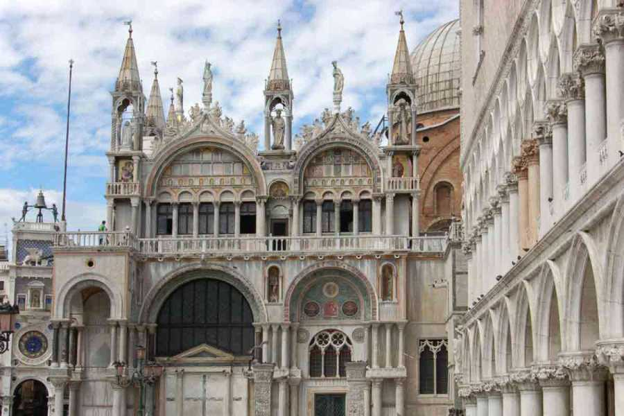 Venice Tours srl SKIP THE LINE: The Golden Basilica.E
