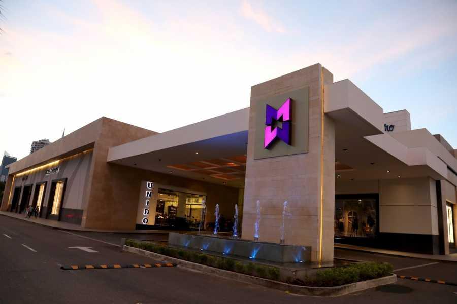 Aventuras 2000 IAHR - Shopping Tour to Multiplaza Mall