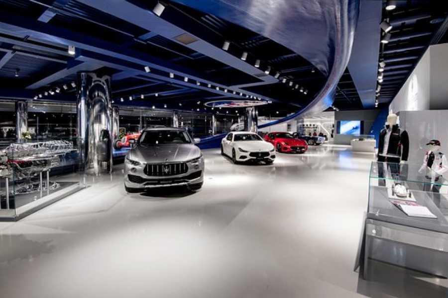 Modenatur Maserati showroom tour - Modena
