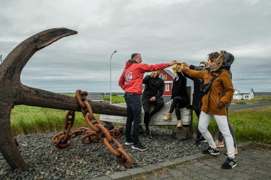 Reykjavik Outventure Layover Reykjanes Peninsula, drink and food tour from Keflavik airport