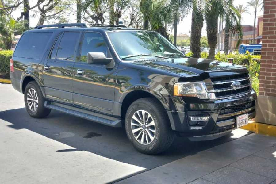 Dream Vacation Builders Private SUV Service 1-5 People