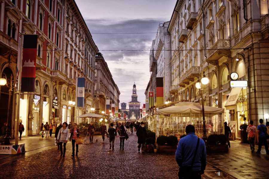 Keys of Florence 2-Hour Milan by Night Walking Tour