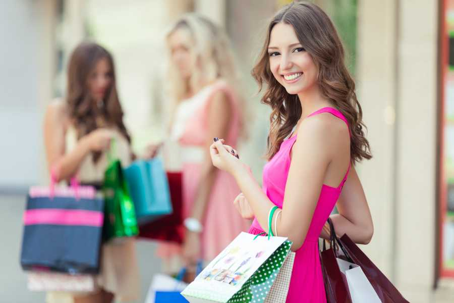 Di Nocera Service Caserta Royal Palace & La Reggia Shopping SpreeTour from Salerno