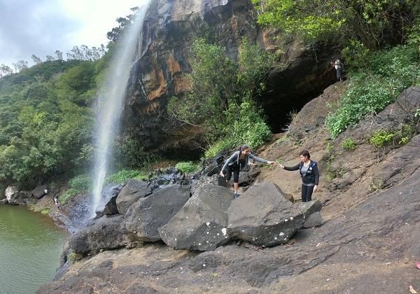 7 Waterfalls Trek