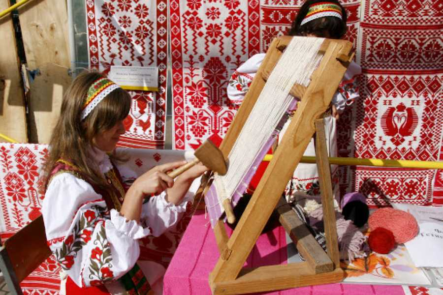 "Aventour Exhibition-fair of works of folk artists ""Carpathian Vernisage"""