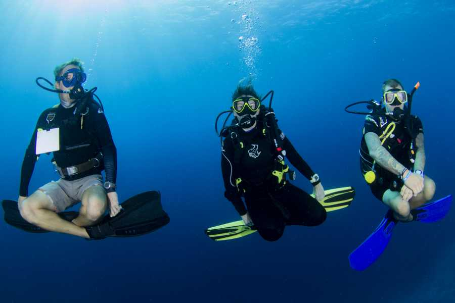 Jan Thiel Diving PADI Peak Performance Buonyancy Specialty