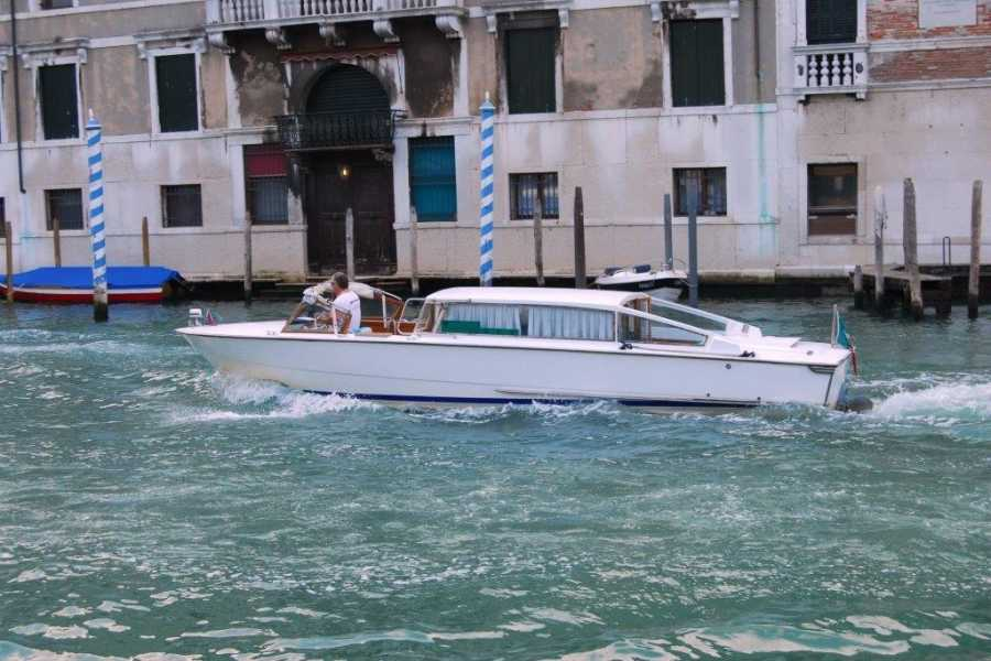 Venice Tours srl SHUTTLE TRANSFER by WATERTAXI.Civitatis