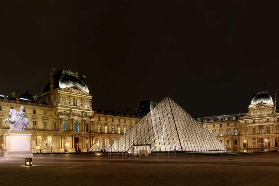Memories France Christmas in Paris: The Louvre, Champs Elysées & Arc de Triomphe