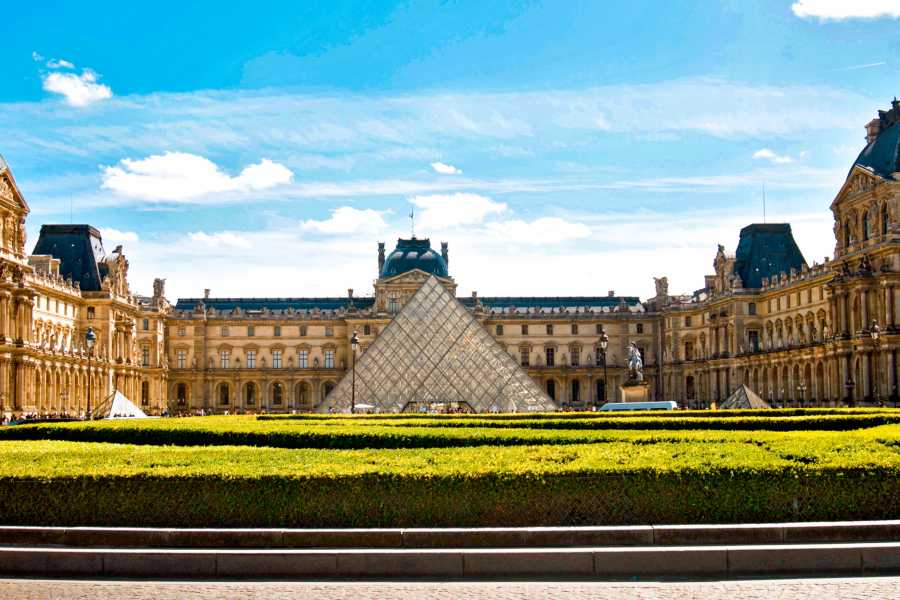 Memories France Must-Sees of the Louvre Museum