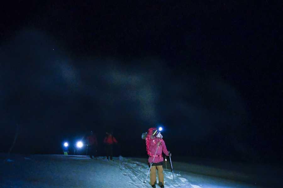 Øystein Ormåsen Snowshoeing and stargazing near Voss Resort