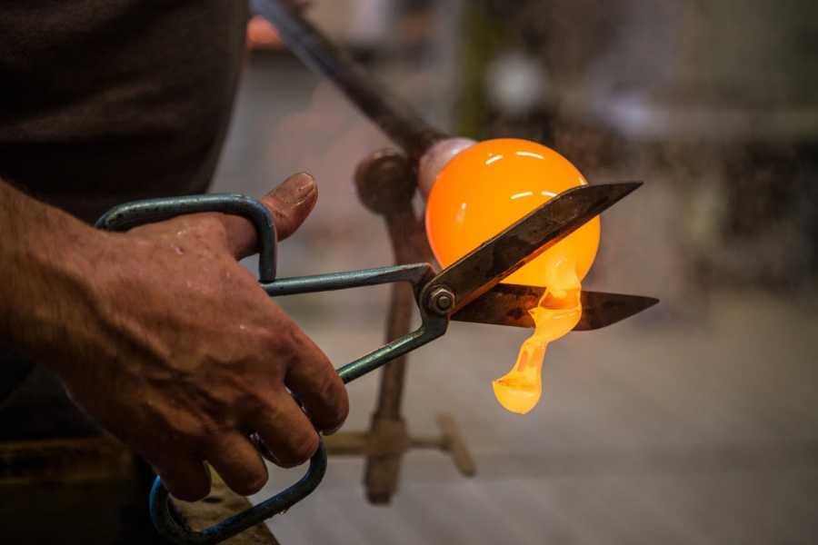 Venice Tours srl GYG: Gondola Venetian Waterways & Glassblowing Art