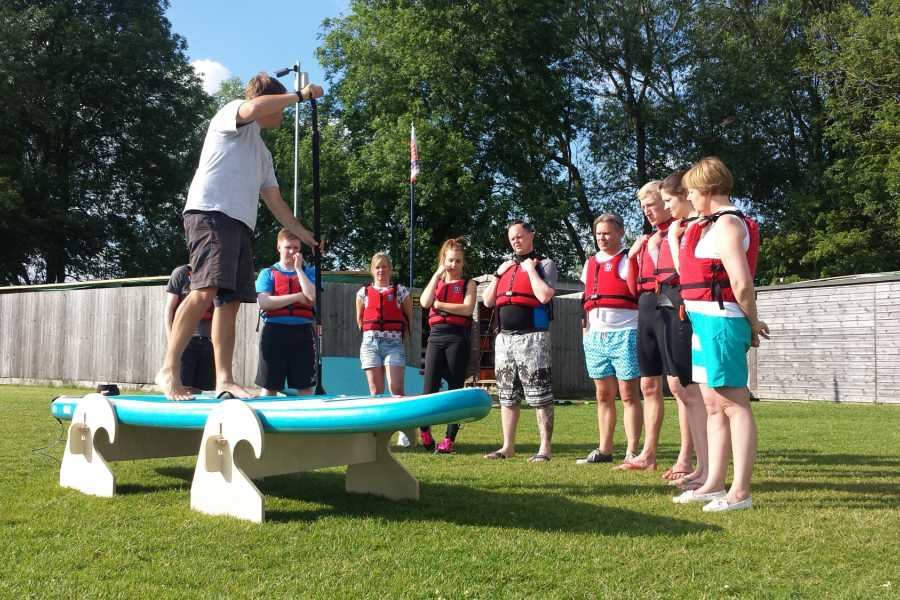 South Cerney Outdoor Introduction to SUP