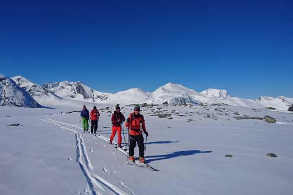 Contrast Adventure Norway Skitur Nordvest!