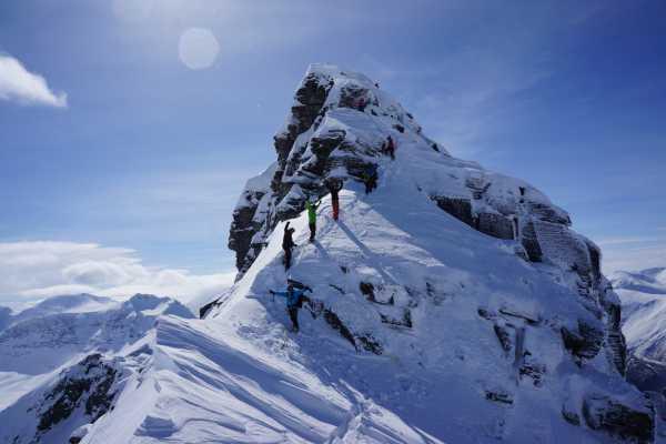 Contrast Adventure Norway Klyving med ski i Nordvest Norge