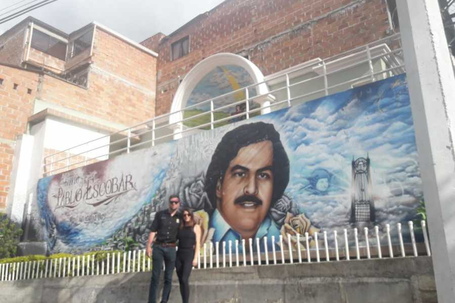 Medellin City Services Advanced package: Pablo Escobar tour including C13 and barrio Pablo Escobar (8 hours aprox)