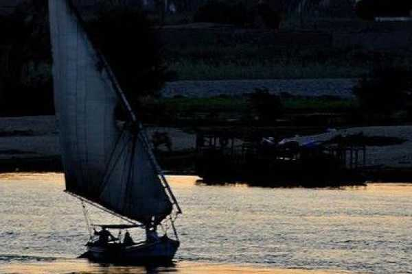 EMO TOURS EGYPT 1-Hour Felucca Sunset Sail on the Nile in Cairo