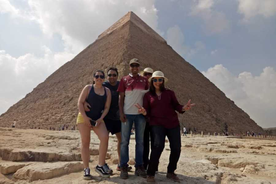 EMO TOURS EGYPT Layover Day Tour of Giza Pyramids, Cairo, Egyptian Museum and Bazaar from Cairo Airport