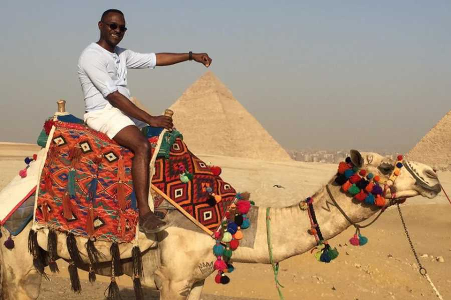 EMO TOURS EGYPT Private Camel Ride at Giza Pyramid for 2 Hours