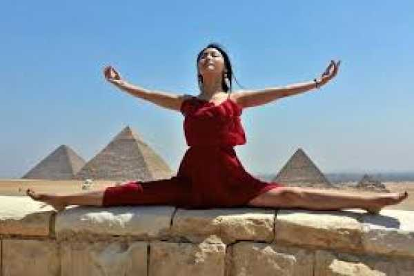 EMO TOURS EGYPT Private day trip to great pyramids Sphinx Egyptian Museum and Citadel