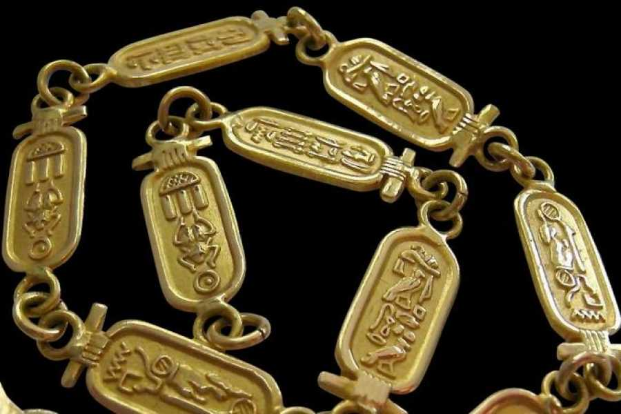 EMO TOURS EGYPT cartouches Manufacturing tour and Buy Silver or Gold Cartouches with your name