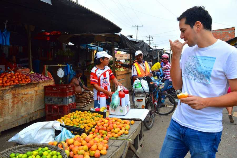 Medellin City Tours BAZURTO MARKET HALF DAY TOUR
